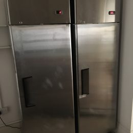 2 x ice range 16 cu ft stainless chiller and freezer less than 18 moths old