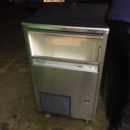 Brema 45kg ice machine